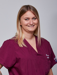 Lou Hanot - Veterinary assistant